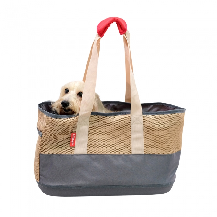 Cocooning breathable pet carrier